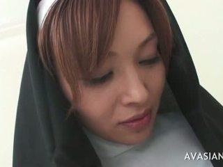 Owadan aziýaly monah gets gangbanged