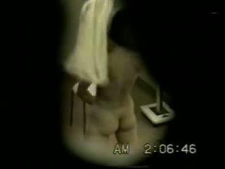 Espía cámara pillada mi joven sister masturbándose standing