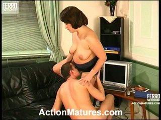 Juliana ו - donald קינקי אנמא בפנים פעולה