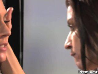 plezier brunette tube, japanse porno, u kut likken thumbnail