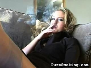 hq video seks, jonge meisjes roken, roken fetish scène