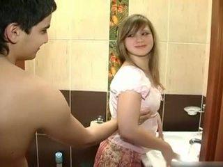 Νέος ζευγάρι γαμήσι σε ο μπάνιο
