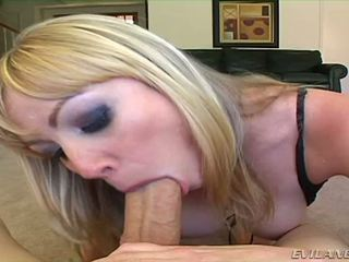 Adrianna nicole sucks two cocks satu betul selepas yang lain