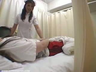 女士 护士 duties ward 性别