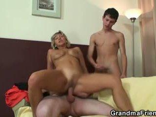 Най-горещите тройка с възрастни жена