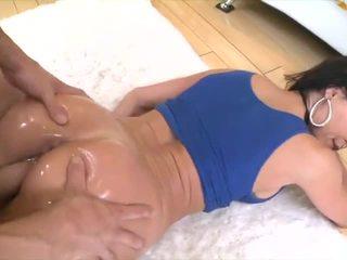 Kendra lust bong bóng mông