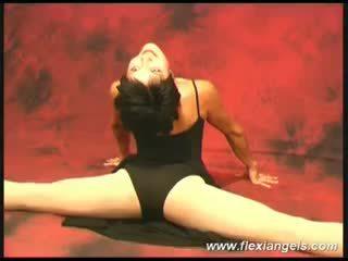 Jong ballerina aida