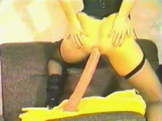 Anita feller demode anale dildo