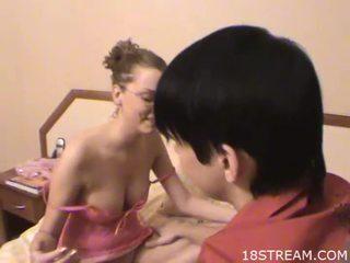 beste pijpbeurt klem, heet kindje thumbnail, meer seks scène