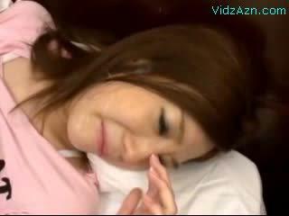 Virgin dziewczyna płacz podczas cipka fucked getting na twarz na the łóżko