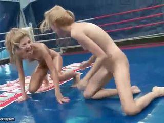 kijken lesbisch, echt lesbische strijd actie, nominale muffdiving