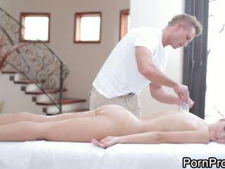 Massage với doggyphong fucking
