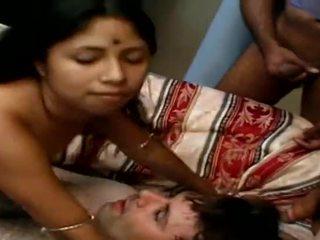 Индийски тийн does 4 guys преди изпразване на лицето