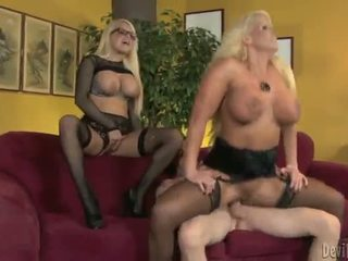 Alura jenson และ jacky joy two ใหญ่ titted blondes having shaged