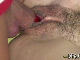 Virgin shows 她的 处女膜