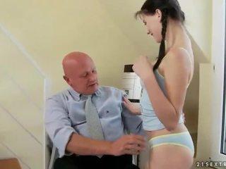 Kedves tini fucks nagyon régi nagypapa