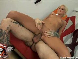 Bitchy мед christine alexis sits її вологий сперма hole на a thick jock і loves він