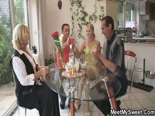 Minunat 3 unele porno petrecere la ei birthday
