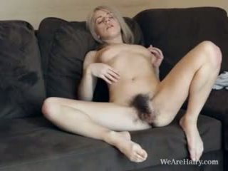 Deze harig blondine selena looks zoals an engel