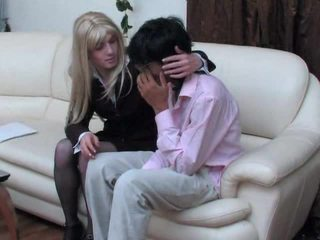 zuig-, mooi crossdresser video-, gratis anaal gepost