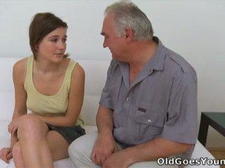 Joli и grej горещ тийнейджъри порно