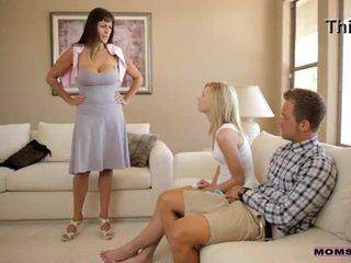 Mamans enseigner sexe - mère catches en chaleur ado couple