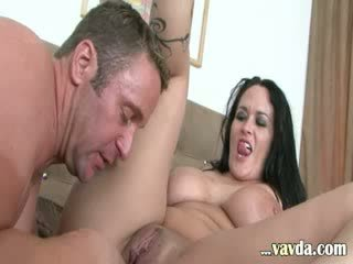 zien brunette, groot blow job, cumshot in de mond film