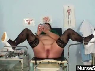 Naughty Head Nurses: Mature bbw wife is fingering her fat pussy