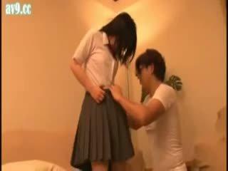 Japonez scolarita abuzata vechi om