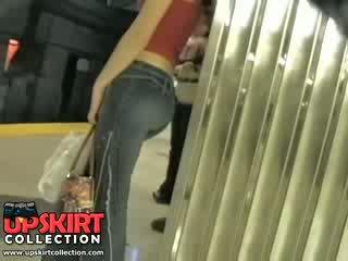 Ja lewo mój ukryty praca w the underground i przyłapani to ładniutka dziewczyna w ciasne dżinsy