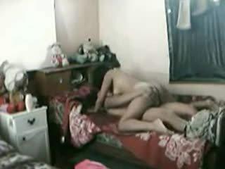Indonésien fille baisée dur