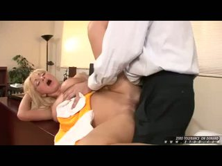 Lusty Hairless Lea Lexus Gets A Slimey Cream Oozing Out Her Enjoyable STeAmy Twat