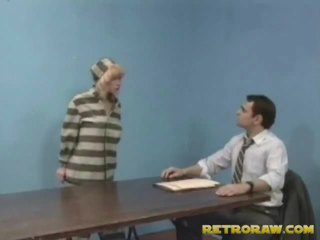 נקדח על ידי שלה lawyer