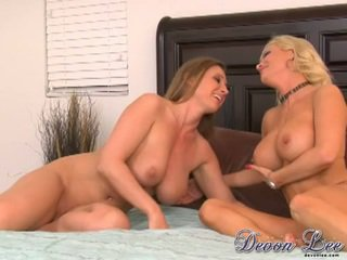 most brunette thumbnail, any pussy licking sex, real lesbians sex