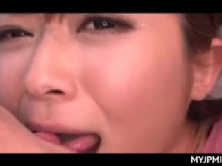 Aasialaiset peachy pillua nailed kova sisään seksi video- kanssa povekas milf