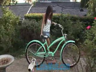 April oneil screws the bike! dodane 02 18 2010