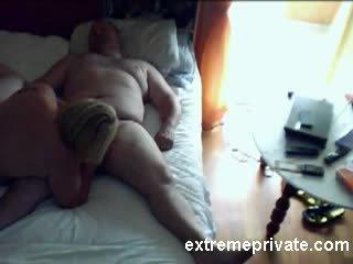 Voyeuring Mom sucking cock neighbor Video