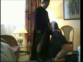 Biszexuális apáca baszás