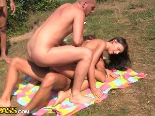 裸 女の子 ファック 上の ソファ