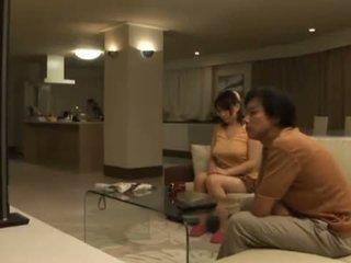Sleaze ai kanazaki has उसकी विशाल ब्रेस्ट्स eaten के बाद एक dinner