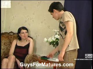 Flora и timothy зашеметяващ мама onto видео