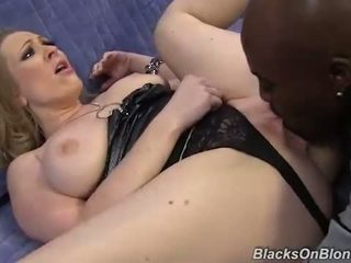 Vicky Vixen gets double penetrated