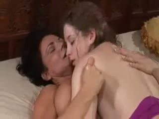Sunny Lane: Big Titted Squirting Lesbo