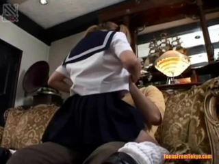Schoolgirls oral jobb