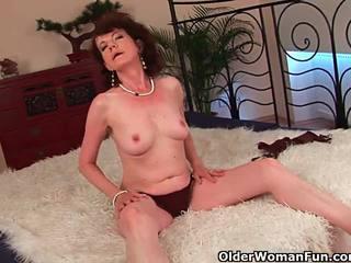 Matura mamma con pelosa crotch e armpits scopata profondo
