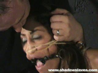 Sahara knite humiliating rosto bondage e spanked
