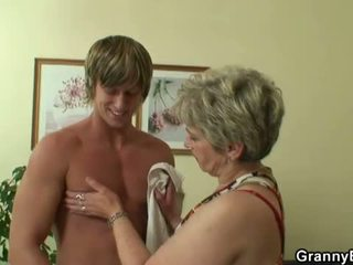 Granny Bet: Young stud hammering old snatch
