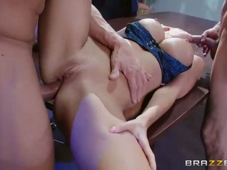 Busty Courtney Taylor double penetrated