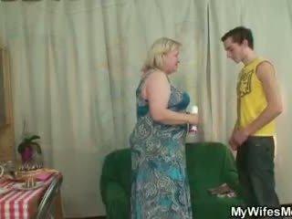 Manželka finds ji člověk zkurvenej velký babičky