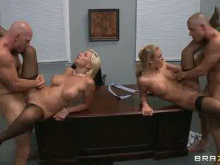 alle meisje op meisje neuken, kantoor gepost, een gelaats